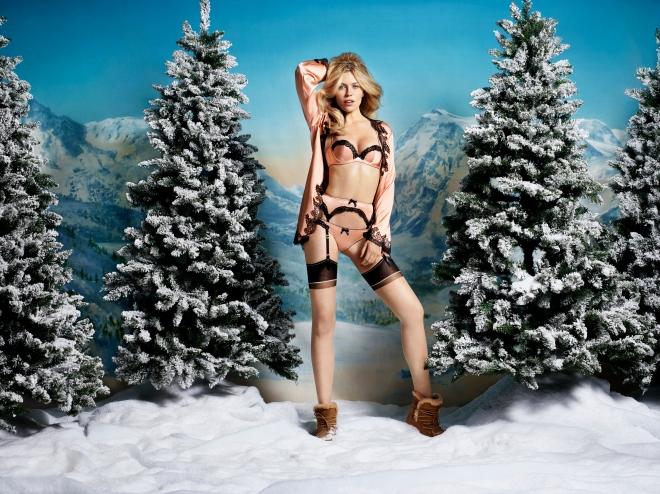 AW15_CHRISTMAS_MOLLY_RGB