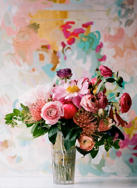 painterly-flower-arrangement-pink-peach-ranunculus-protea
