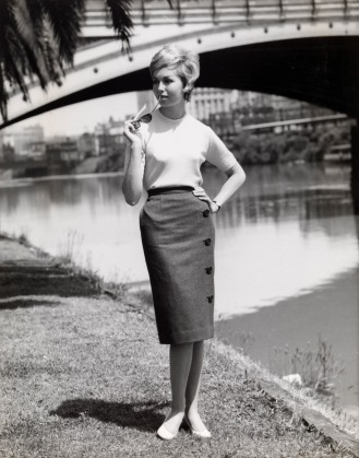 Henry Talbot. No title (Fashion illustration for Sportscraft on location Yarra River near Princes Bridge) 1961 Henry Talbot Fashion Photography Archive (119650) © Lynette Anne Talbot
