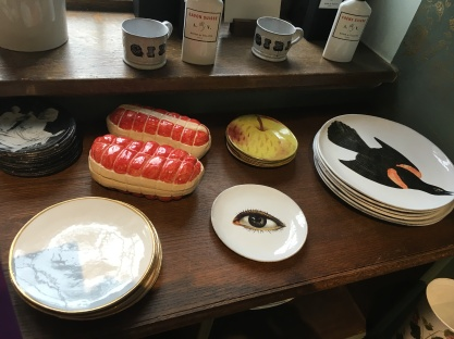 The finest selection of fine china plates & bowls.