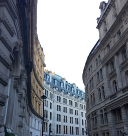 Streetscape on Regent St (I think?) Sh*t tourist alert..