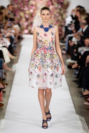 Dress, Oscar de la Renta, New York, Spring / Summer 2015 ready-to-wear, look 37 © Catwalking