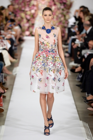 Dress, Oscar de la Renta, New York, Spring / Summer 2015 ready-to-wear, look 37 © Catwalking