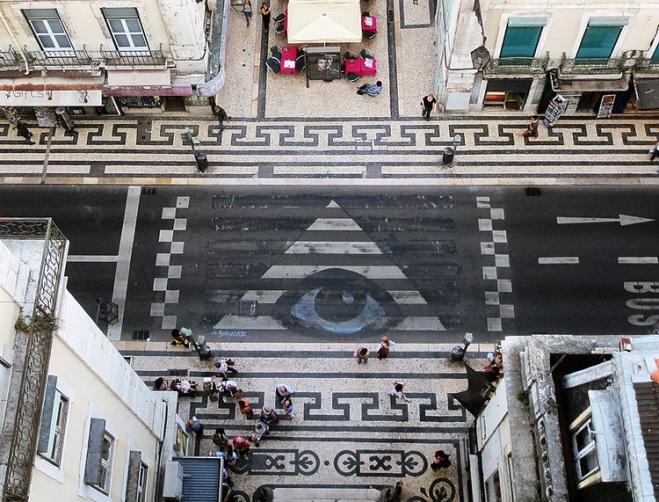 Bordalo ii eye.jpg