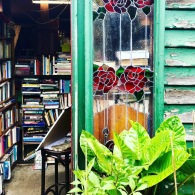 A strange bookshop and secret garden place in Huonville had us fearing the worst